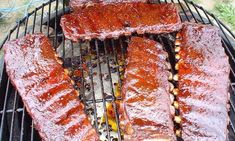 Fire up the grill while you still can with fall-off-the-bone ribs, from famed pitmaster, Dr. Rub Recipes, Grilling Recipes, Pork Recipes, Cooking Recipes, Smoker Recipes, Cooking Ideas, Ribs On Grill, Bbq Ribs, Barbecue