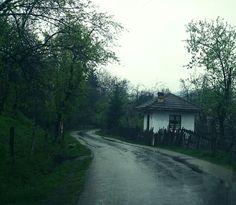 #Romania #village #rainy #day in #paradise #travel #road #puregreen #tour #pureromania #chasing #freedom   Www.pure-romania.com