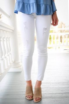 Statement Distressed Skinny in Optic White