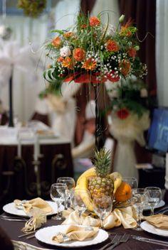 Fructiera fier forjat cu aranjament floral