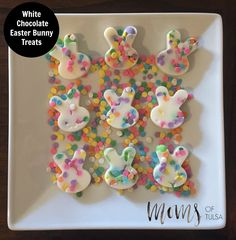 White Chocolate Easter Bunny Treats - http://momsoftulsa.com/white-chocolate-easter-bunny-treats/