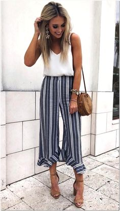 Summer Outfits 2019 37 casual summer work outfits for professionals 2019 Summer Outfits Here is Summer Outfits 2019 for you. Summer Outfits 2019 top 5 summer fashion trends of 2019 for your stunning style. Outfits Mujer, Edgy Outfits, Mode Outfits, Grunge Outfits, Fashion Outfits, Dress Fashion, Womens Fashion, Casual Work Outfit Summer, Work Casual