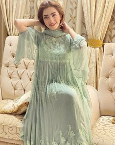 Simple Pakistani Dresses, Asian Bridal Dresses, Wedding Dresses For Girls, Pakistani Wedding Dresses, Pakistani Dress Design, Bridal Outfits, Dress Outfits, Stylish Dress Designs, Stylish Dresses