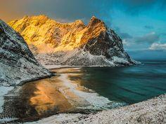 Kvalvika paikassa Fredvang, Nordland