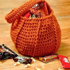 Pumpkin Trick or Treat Bag Halloween crochet pattern