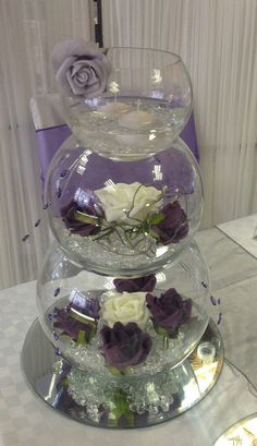 20 Trendy Ideas For Wedding Table Centerpieces Fishbowl Floating Candles Fishbowl Centerpiece, Vase Centerpieces, Creation Deco, Deco Floral, Wedding Table Centerpieces, Fish Bowl Centerpiece Wedding, Purple Wedding Centerpieces, Floating Candles, Centre Pieces