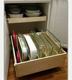 70 Simple And Easy Kitchen Storage Organization Ideas Small Kitchen Remodel Easy Ideas Kitchen Organization Simple Storage Diy Kitchen Storage, Kitchen Cabinet Organization, Kitchen Shelves, Kitchen Redo, Kitchen And Bath, New Kitchen, Home Organization, Awesome Kitchen, Smart Kitchen