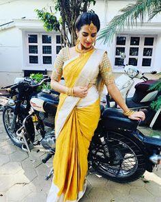 Serial Actress Rashmi Jayraj Latest Saree Photos Bollywood Bikini, Bollywood Actress Hot, Bollywood Saree, Saree Draping Styles, Saree Styles, Saree Blouse Patterns, Saree Blouse Designs, Saree Gown, Satin Saree