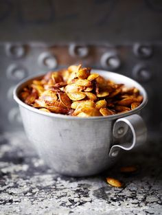 Toasted pumpkin seeds with smoked paprika. Finally, something else to do with smoked paprika aside from bacon-wrapped dates. It's languishing in the cabinet. Pumpkin Recipes, Fall Recipes, Whole Food Recipes, Vegan Recipes, Food For Thought, Toasted Pumpkin Seeds, Pumkin Seeds, Food Inspiration, Love Food