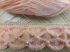 Классный узор спицами - YouTube Crochet Stitches Patterns, Knitting Videos, Crochet Videos, Baby Knitting Patterns, Crochet Designs, Knitting Designs, Knitting Projects, Knit Stitches For Beginners, Cardigan Bebe