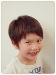 ローリーポーリー(Hair Make Roly Poly) ショート Boy Hairstyles, Kids Fashion, Hair Cuts, Hair Styles, Boys, Naver, Life, Hairstyles For Boys, Haircuts