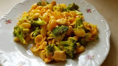 brokkolis csirkés tészta Broccoli, Macaroni And Cheese, Food And Drink, Pasta, Meat, Chicken, Vegetables, Ethnic Recipes, Mac And Cheese
