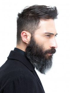 What is beard oil and beard balm? Learn the differences between beard oil and balm as well as other beard softening products like beard lotion and beard spray. Mens Hairstyles Thin Hair, Trendy Mens Haircuts, Cool Hairstyles, Hairstyle Ideas, Undercut Hairstyle, Hairstyles Haircuts, Beard Styles For Men, Hair And Beard Styles, Short Hair Styles