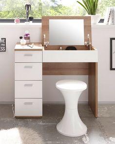 Perfektionieren Sie Ihre Make-up-Routine mit diesem attraktiven Schminktisch in Sonoma Eiche Dekor sowie Weiß und überzeugen Sie jeden Tag mit unverwechselbarem Look. Dank des rechteckigen Spiegels, der sich aufklappen lässt, haben Sie Ihren Style genau im Blick – so kommt Ihr Make-up optimal zur Geltung. Dressing Table Desk, Dressing Room, Modern Table Legs, Mid Century Modern Table, Office Desk, Corner Desk, Drawers, Vanity, Furniture