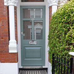 Exterior Siding Colors, Exterior House Siding, Facade House, Victorian Front Garden, Victorian Front Doors, Farmhouse Layout, Porch Doors, Build Your House, Cool Doors