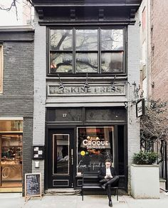 New York City Travel, Coffee Shop Design, Cool Cafe, Living In New York, Store Signs, Store Fronts, Travel Inspiration, Nyc, Instagram Posts