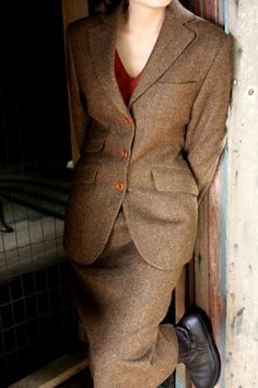Farb-und Stilberatung mit www.farben-reich.com - Timeless Classic: Magee Donegal Tweed Suit