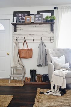 DIY Rustic Entryway Coat Rack -