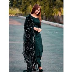Online Shopping Site for Latest Collection of Salwar Kameez, Salwar Suit Designs, Designer Anarkali Dresses, Bridal Salwar Kameez, Punjabi suits boutique Indian Fashion Dresses, Pakistani Dresses Casual, Punjabi Fashion, Dress Indian Style, Indian Designer Outfits, Indian Outfits, Fashion Outfits, Stylish Dress Designs, Designs For Dresses