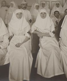 Zoom of Grand Duchesses Tatiana and Olga Nikolaevna as Sisters of Mercy during WWI.