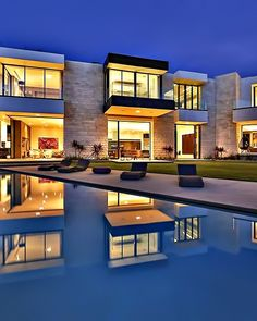 Luxurious Los Angeles Sunset Strip Mansion With Breathtaking Views #modernmansionglasses