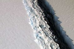 Rift in Antarctica's Larsen C Ice Shelf - NASA/Maria-Jose Viñas