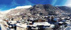 Blick auf das Dorf Zermatt im Winter. Aufgenommen von der Terrasse Hotel Omina. Zermatt, Mount Everest, Highlights, Mountains, Winter, Nature, Travel, Patio, Naturaleza