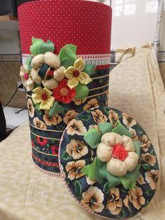 caixa de papelão customizada       sapato customizado com renda                                                              reformei es...