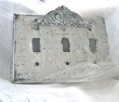 DIY:  Old World Plaster Technique Using Joint Compound - easy tutorial (just wipe the compound on the surface) & paint when dry! Easy way to add interest to a surface that is blah.