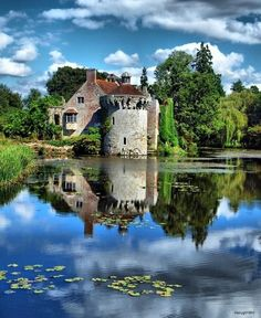 England Travel Inspiration - Scotney Castle is an English country house with formal gardens south-east of Lamberhurst in the valley of the River Bewl in Kent, England. It belongs to the National Trust Beautiful Castles, Beautiful Buildings, Beautiful Places, Kent England, England And Scotland, The Places Youll Go, Places To See, Fairytale Castle, Palaces