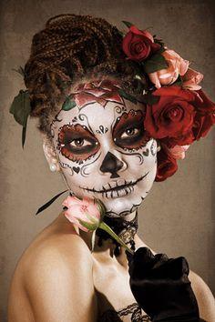 El Dia De Los Muertos I love this! So pretty.