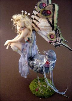 One of a kind polymer fantasy sculpture by Nicole West. Clay Fairies, Elves And Fairies, Elfen Fantasy, Fantasy Art, Magical Creatures, Fantasy Creatures, Polymer Clay Fairy, Kobold, Fairy Figurines