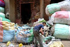 The sorting cans in the Garbage City. Photo: Barbora Sajmovicova, 2011, Nikon D3100.
