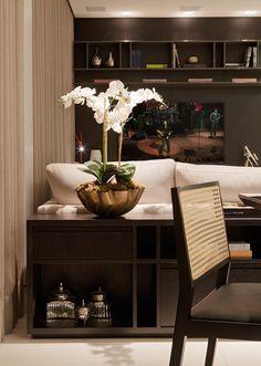 Minimalismo aconchegante. Veja: http://www.casadevalentina.com.br/projetos/detalhes/minimalismo-aconchegante-609 #decor #decoracao #interior #design #casa #home #house #idea #ideia #detalhes #details #style #estilo #cozy #aconchego #conforto #casadevalentina #minimalista #minimalist #diningroom #saladejantar