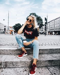 Pinterest | @CamilSerra ♥ Trending Outfits, Ootd Fashion, Fashion 2018, Urban Fashion, Fashion Photo, Fashion Outfits, Womens Fashion, Red Trainers, Sexy Outfits