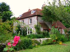 englishcottagedreams: Cottage on the South Downs Way near Litlington, East Sussex by UGArdener on Flickr — FUCKITANDMOVETOBRITAIN