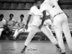 Capoeira Mestres João Pequeno, Boca Rica, Curió, e Cobra Mansa. Brasília...