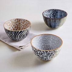 Animal Pad Printed Bowl, Feathers, Black