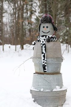 A snowman for Texas! (So You want to Build a snowman . a Galvanized Snowman by Finding Home Christmas 2014, All Things Christmas, Winter Christmas, Christmas Ideas, Celebrating Christmas, Christmas Storage, Christmas Yard, Christmas Signs, Holiday Ideas