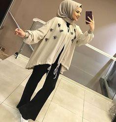 Tesettür – Best Of Likes Share Abaya Fashion, Muslim Fashion, Modest Fashion, Girl Fashion, Fashion Dresses, Diy Fashion Hijab, Hijab Casual, Hijab Chic, Hijabi Girl