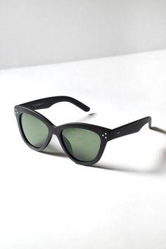 Dotty Cat-Eye Sunglasses   #retrosunglasses #sunglasses #summerfashion