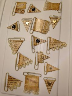 Junk journal clips - made from old book pages Bullet Journal Diy, Bullet Journal Ideas Pages, Junk Journal, Old Book Crafts, Book Page Crafts, Diy Journaling, Journalling, Fabric Journals, Journal Paper