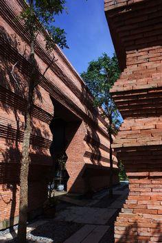 Gallery of Kantana Institute / Bangkok Project Company - 12