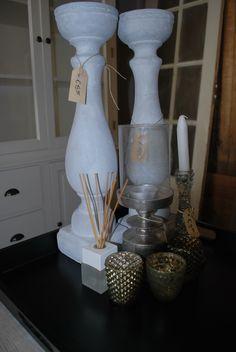 Kaarsjes ! #kaarsjes #candle #accessoires #geurstokjes #meubelsenmeer #interieur #interior #interiorstore #interieurwinkel #windlicht #dienblad #mijdrecht
