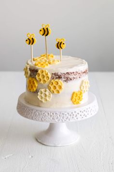 When it comes to cake decorating, I do not use too many piping bags fitted with open-star piping tips, I rarely use sprinkles (unless i. Honeycomb Candy, Mermaid Birthday Cakes, First Birthday Cakes, Bee Cakes, Cupcake Cakes, Lemon Tea Cake, Flamingo Cake, Honey Cake, Pie