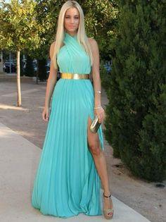 Madrinha de casamento pode usar vestido com fenda?