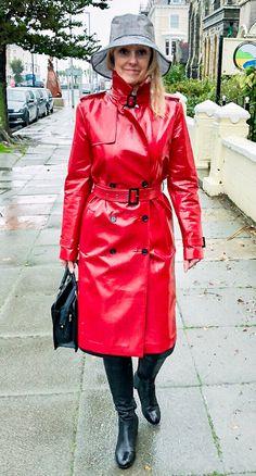 Raincoats For Women Rainy Days Info: 4502239034 Vinyl Raincoat, Raincoat Jacket, Yellow Raincoat, Hooded Raincoat, Plastic Raincoat, Rain Fashion, 70s Fashion, Rain Hat, Langer Mantel