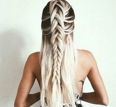 Black + white hair ombre                                                                                                                                                                                 More