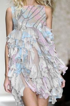 (via Laura Biagiotti, 2014 | Dresses - Summer | Pinterest)