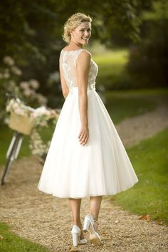view our range of affordable tea length wedding dresses from brighton belle featuring vintage 50s
